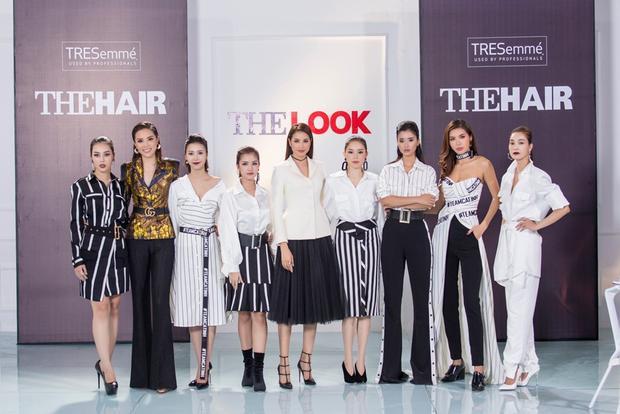 Bên cạnh đó, mặc dù là thử thách tạo kiểu tóc để chụp ảnh, tuy nhiên các thí sinh chuẩn bị và đầu tư váy áo một cách kĩ lưỡng.