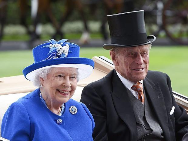 Năm 2017, Hoàng thân Philip bước sang tuổi 96 còn Nữ hoàng Elizabeth 91 tuổi. Trải qua cuộc hôn nhân 70 năm, nụ cười hạnh phúc chưa bao giờ tắt trên khuôn mặt họ.