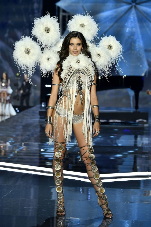 Thiên thần Sara Sampaio