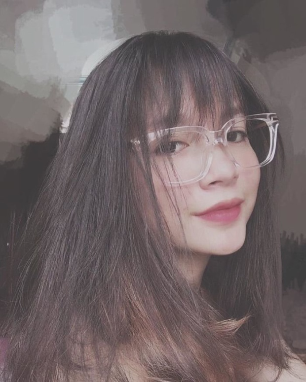 Nữ sinh Quảng Ninh đốn tim người xem với nụ cười răng khểnh cực xinh!