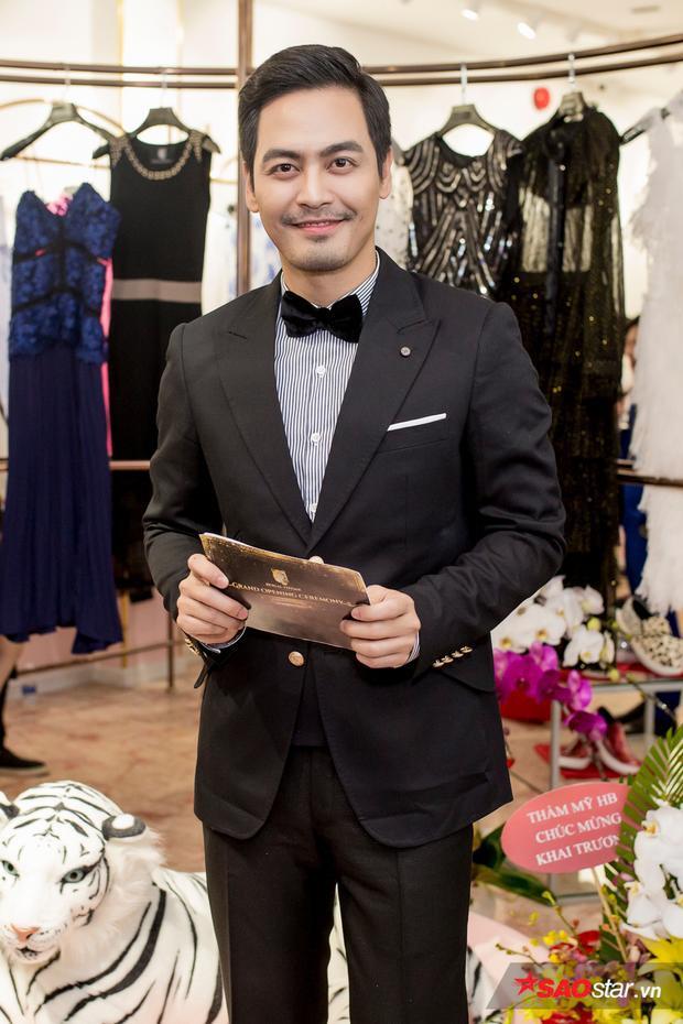 MC Phan Anh cũng có mặt tại sự kiện. Anh đảm nhận vai trò dẫn chương trình.