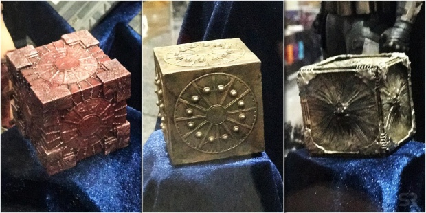 Ba chiếc hộp Mother Box