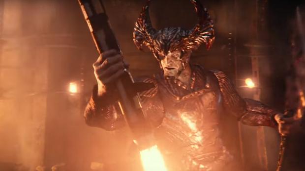 Justice League: Giải mã Mother Box  Tại sao kẻ ác Steppenwolf gọi chúng là mẹ?