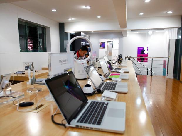 Giới chức Trung Quốc từng nhiều lần vào cuộc để phát hiện những Apple Store giả như thế này.