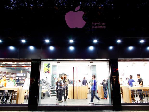 Một số cửa hàng đã bị dẹp bỏ nhưng mỗi lần iPhone mới ra mắt, nhiều Apple giả lại mọc lên khi nhu cầu của người dùng tăng lớn.