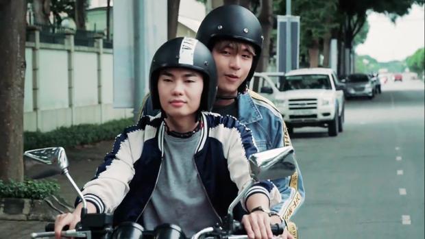 Của Tuấn Phong và người bạn.