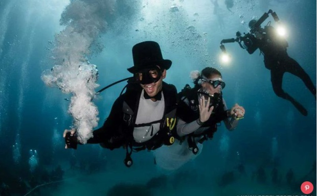 Bộ đồ lặn cưới  dụng cụ hoàn hảo cho giấc mơ wedding bềnh bồng của các cặp đôi