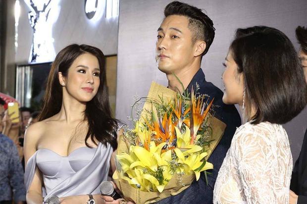 So Ji Sub bên cạnh Diệp Lâm Anh. Ảnh: Phú Hữu Nguyễn