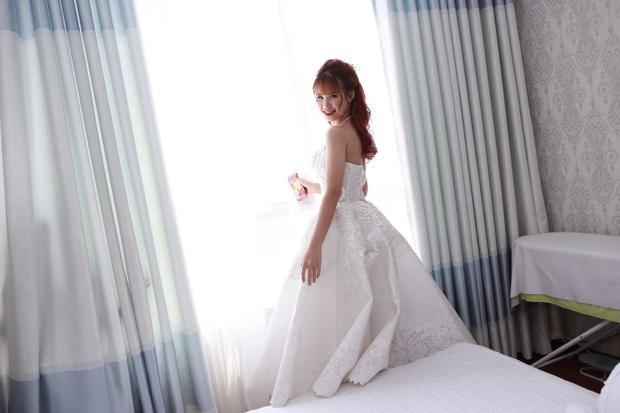 HOT: Khởi My  Kelvin Khánh trao nhẫn cưới, chính thức trở thành vợ chồng