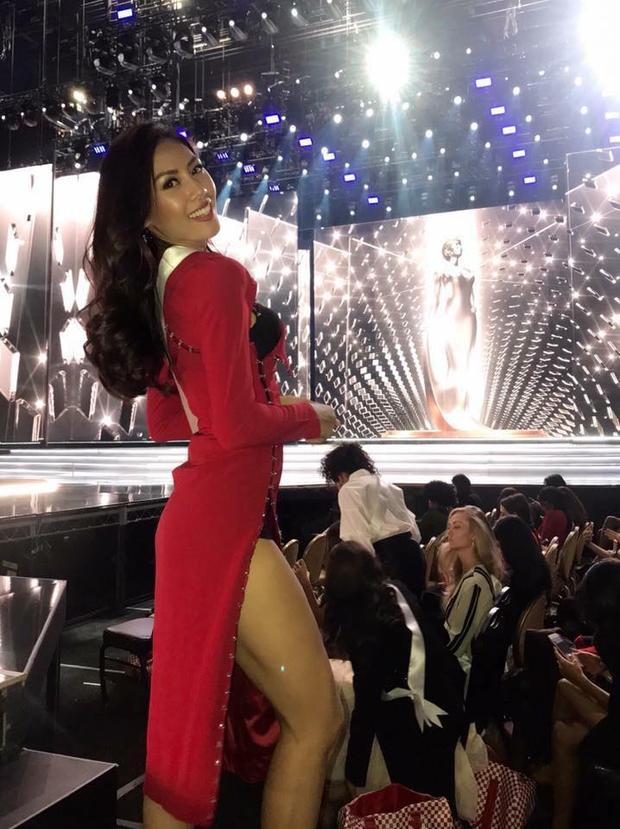 """Nguyễn Loan """"bốc lửa"""" trước thềm chung kết Miss Universe 2017."""