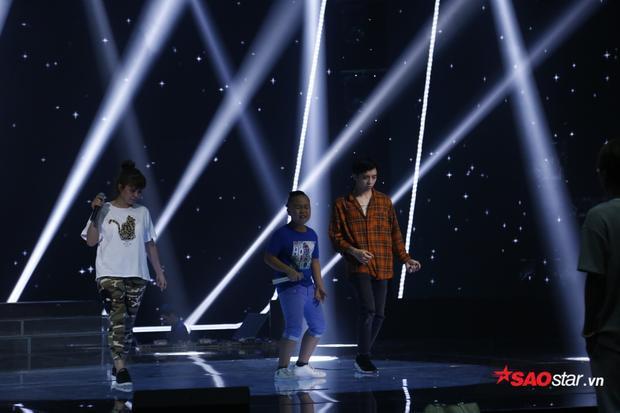"""""""G - Dragon nhí"""" Quốc Thái trở lại đêm Chung kết với tinh thần Rock đầy máu lửa."""