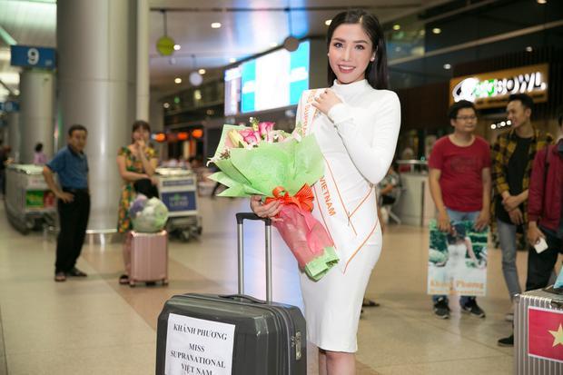Khánh Phương xinh đẹp tại sân bay.