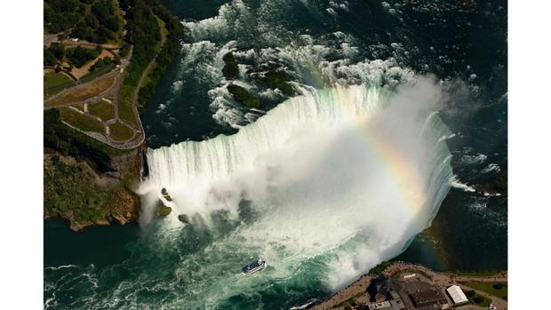 Ontario, Canada: Khoảng 12 triệu người ghé thăm Thác Niagara mỗi năm.