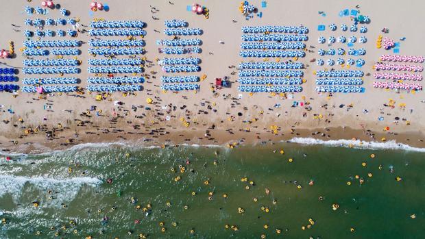 Busan, Hàn Quốc: Một bức ảnh chụp trên không của bãi biển Haeundae, đây là một trong những bãi biển nổi tiếng nhất của Hàn Quốc.