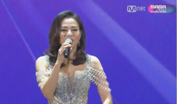 """Đây có lẽ là khoảnh khắc mà """"Chị Đại"""" Thu Minh khiến fan Việt tự hào nhất trước bạn bè quốc tế."""