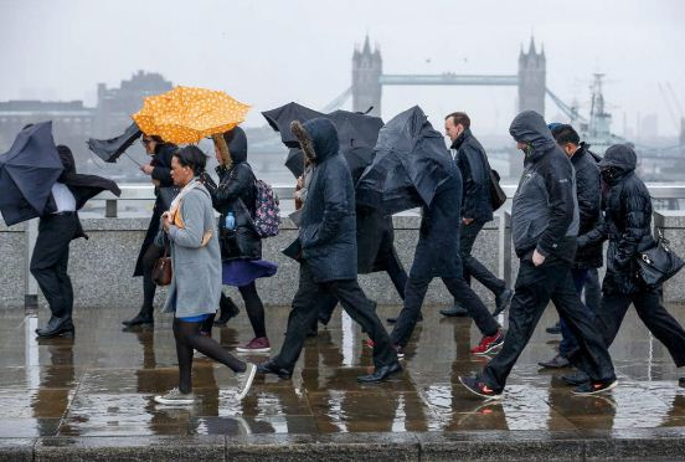 Không nơi nào xám xịt như ở London.