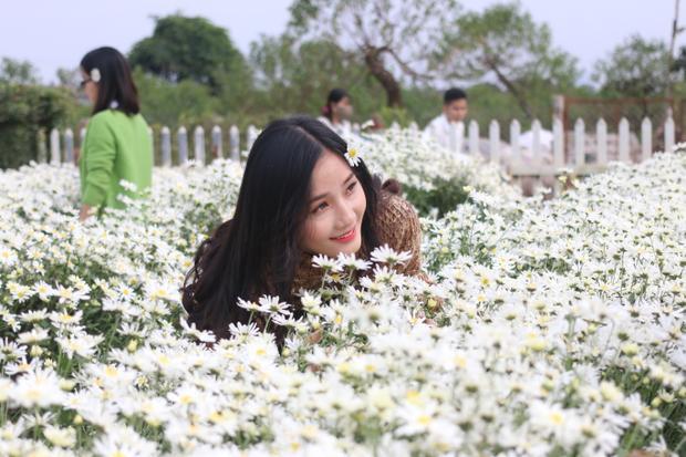 Khung cảnh ở vườn hoa Bách Nhật.