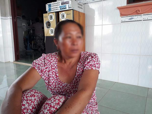 Bà Trần Thị Quyên (vợ ông Hùng) chia sẻ với PV.