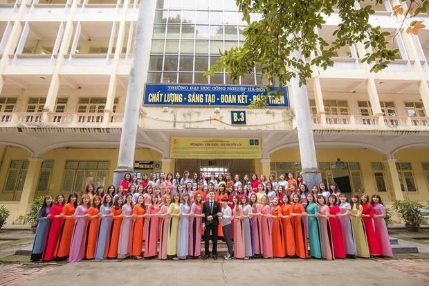 Tập thể nữ lấn át nam giới ở ĐH Công Nghiệp Hà Nội