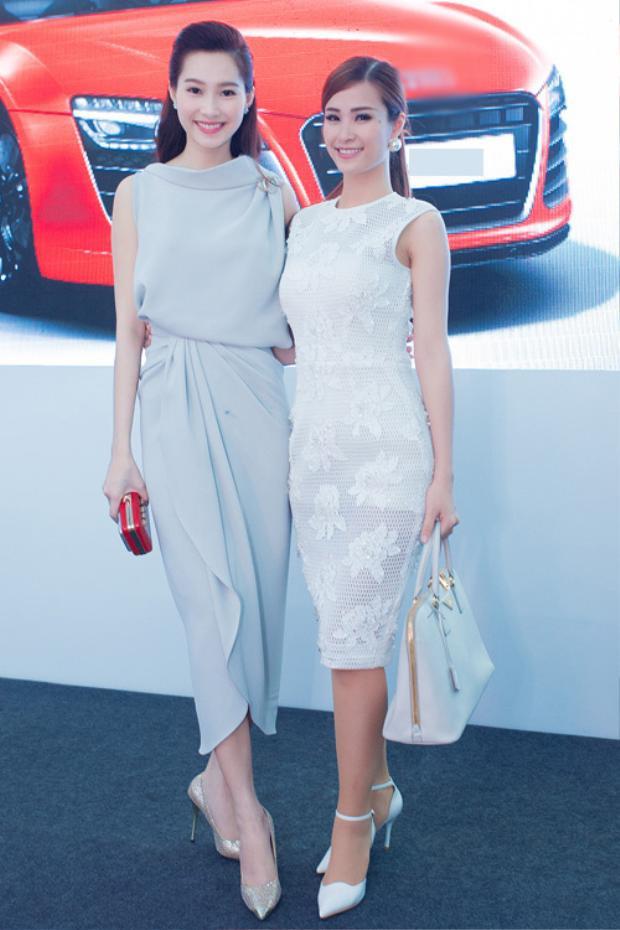 Chiếc váy khá đơn giản nhưng với vóc dáng hoàn hảo cùng chiều cao lý tưởng, Đặng Thu Thảo đã có phần lấn át các nghệ sĩ cùng tham giagóp mặt tại sự kiện.
