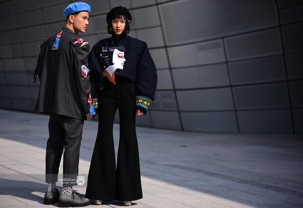 Châu Bùi và Cao Minh Thắng nổi bật trên đường phố Seoul bởi outfit độc đáo không đụng hàng.