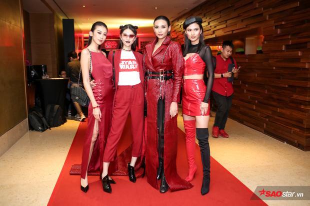 Nữ siêu mẫu Võ Hoàng Yến cùng Kikki Lê, Thùy Dương và Cao Thiên Trang.
