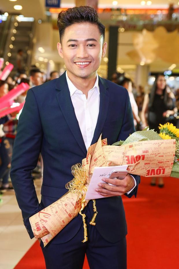 Quý Bình xuất sắc giành giải Nam diễn viên xuất sắc nhất tại LHP Việt Nam 2017.