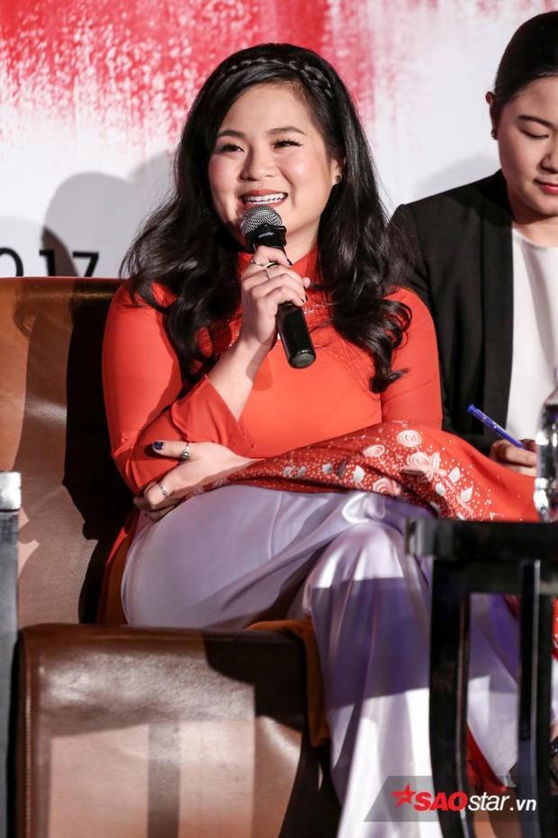 Kelly Marie Trần chia sẻ niềm hạnh phúc khi quay lại Việt Nam.