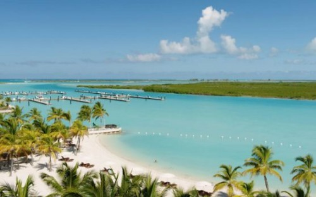 Bãi biển mơ ước của biết bao du khách.