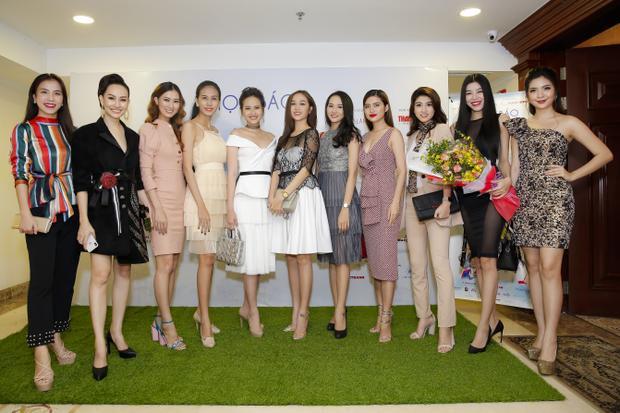 Dàn người mẫu sẽ xuất hiện biểu diễn BST thời trang mới nhất tại Duyên dáng Việt Nam 29.