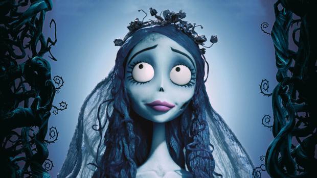 """Tuy nhiên, dường như đã có một """"phản ứng ngược"""" xảy ra với cô gái này. Chịu nhiều đau đớn trong quá trình phẫu thuật, nhưng khi nhìn kết quả, nhiều người nhận xét trông cô chẳng những không giống Angelina Jolie, mà lại có nét của nhân vật chính trong bộ phim hoạt hình """"Dead Bride"""" của Tim Burton tạiMỹ năm 2005."""