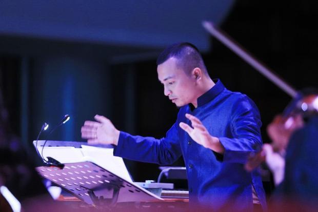 Nhạc trưởng Lưu Quang Minh.