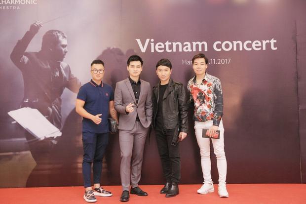 …violin Hoàng Rob, ca sĩ Hà Anh tại chương trình.