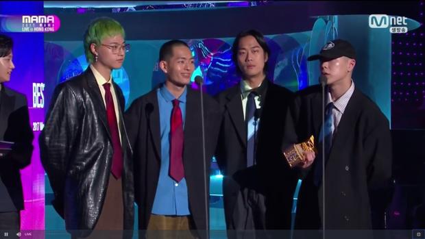 Best Band Performance được trao cho huykoh sau hàng loạt sản phẩm cực chất trong năm qua.