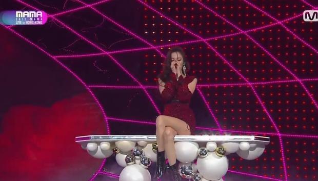 Cô nàng nào là người khiến Kpop fan xao xuyến nhất trong thời gian qua? Chính là Sunmi với hit Gashina chứ không còn ai khác!