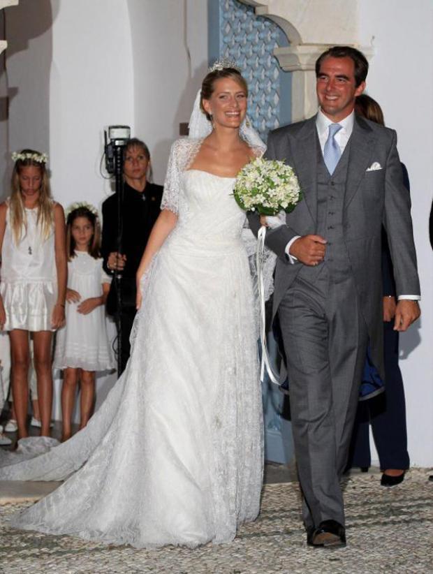 Tatiana Blatnik kết hôn với Hoàng tử Nikolaos của Hy Lạp vào năm 2010. Bộ váy cưới của cô là sản phẩm của nhà thiết kể Angel Sanchez đến từ Tây Ban Nha.