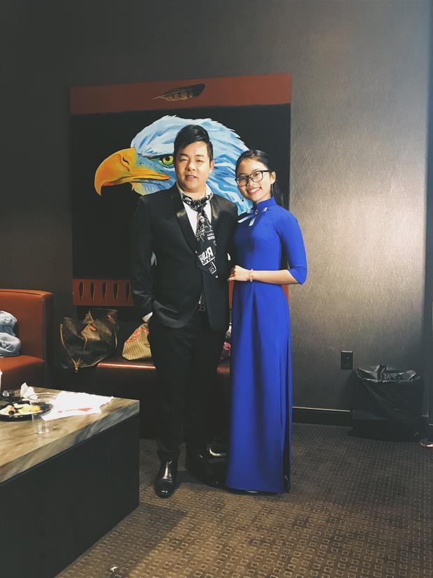 Quang Lê là người đồng hành cùng giọng ca Quê em mùa nước lũ trong suốt thời gian vừa qua.