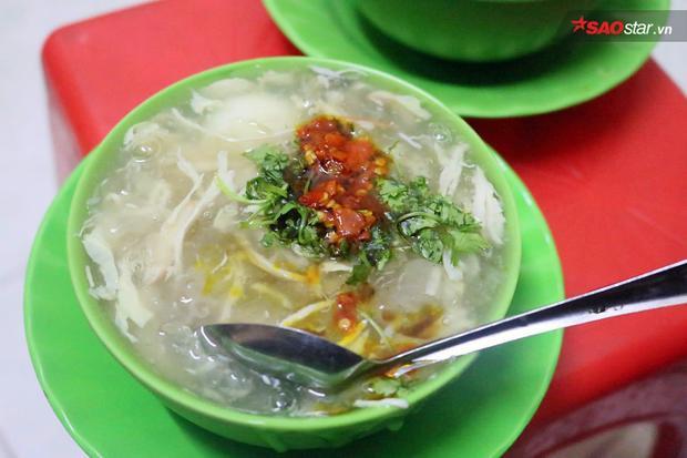 Bạn đã ăn thử súp cua nhà thờ Đức Bà hơn 20 năm tuổi tại Sài Gòn chưa?