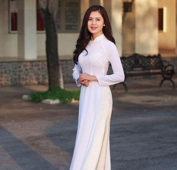 Cận cảnh vẻ đẹp Hoa khôi Đại học Vinh sắp lên xe hoa cùng soái ca Quế Ngọc Hải