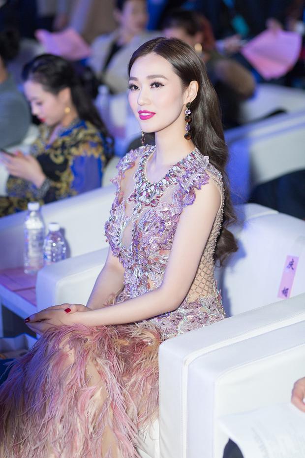 Cuối tuần qua, Khánh My có mặt tạiChina-Asean International Micro Film Festival -Liên hoan phim Vi điện ảnh Quốc tế lần đầu được tổ chức tại Quảng Tây, Trung Quốc.