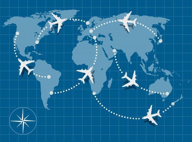 14. Máy bay sẽ không bay theo đường thẳng: Trên một số chuyến bay, hành khách sẽ được phát một tấm bản đồ chỉ đường bay. Và một điều thú vị bạn có thể thấy là máy bay sẽ không bay theo đường thẳng mà theo đường cong, có khi là hình zigzac. Lý giải cho điều này là vì Trái Đất của chúng ta là một khối cầu, trong khi bản đồ lại là một mặt phẳng. Lý do thứ hai là bởi vì một yêu cầu đặc biệt cho những chuyến bay. Theo như yêu cầu này, tất cả các lộ trình bay đều luôn phải gần những phi trường để có đủ thời gian xử lý trong trường hợp hạ cánh bắt buộc. Cuối cùng, điều kiện thời tiết cũng ảnh hưởng không ít đến hướng bay.