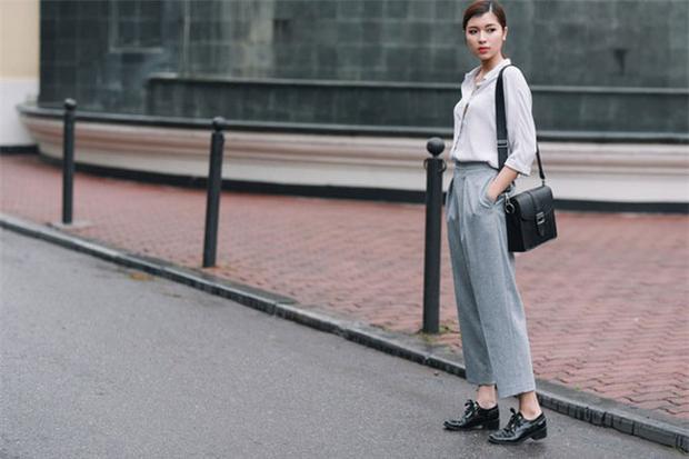 Đồng Ánh Quỳnh chọn giày oxford tăng sự hoàn hảo cho cả set đồ.