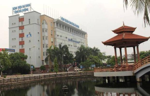 Hiện người đàn ông đang được cấp cứu tại Bệnh viện đa khoa tỉnh Hải Dương.
