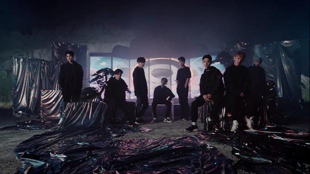 EXO đầy bụi bặm trong ca khúc chủ đề tiếng Nhật.