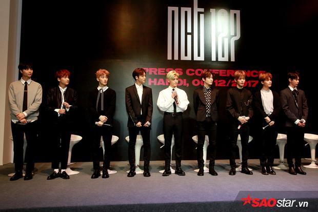 Clip: NCT 127 xuất hiện siêu điển trai, gây sốt khi tỏ tình fan bằng tiếng Việt và tiết lộ muốn sống ở Việt Nam