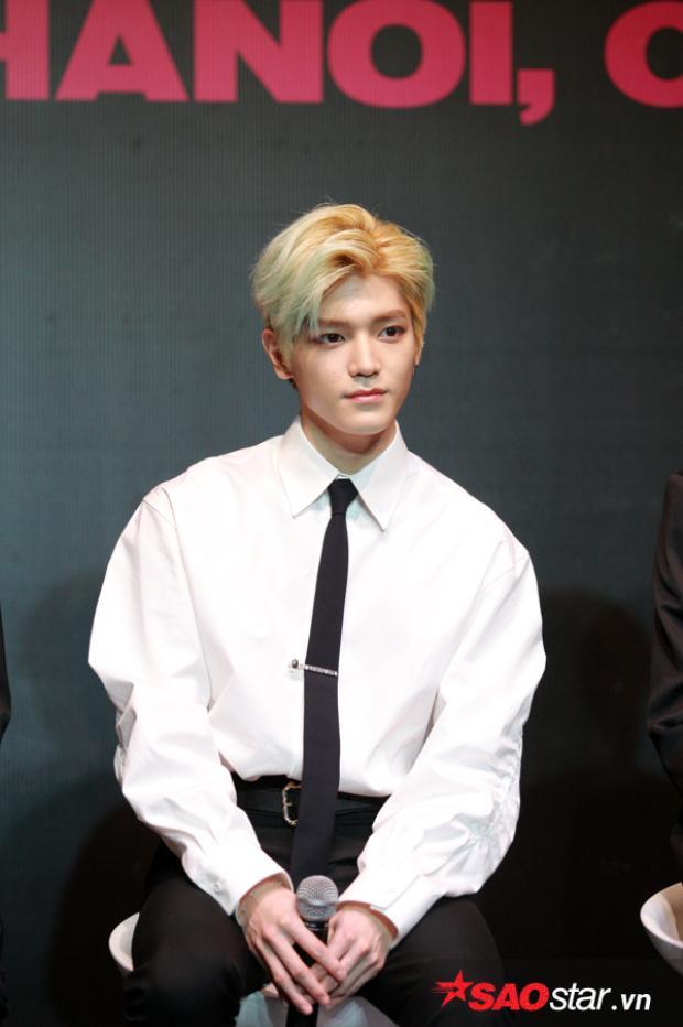 """Taeyong """"đốn tim"""" người đối diện vì ngoại hình điển trai."""