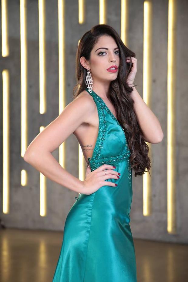 Thể hiện nét đẹp gợi cảm, thí sinh nước Ý - Denise Portone đã xuất sắc đoạt được thứ hạng 9 trong danh sách những thí sinh được yêu thích nhất của cuộc thi.