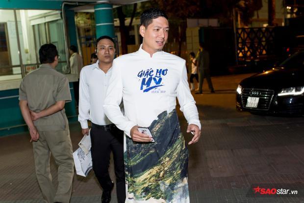 Bình Minh lẻ bóng tại buổi ra mắt phim do anh thủ vai chính.