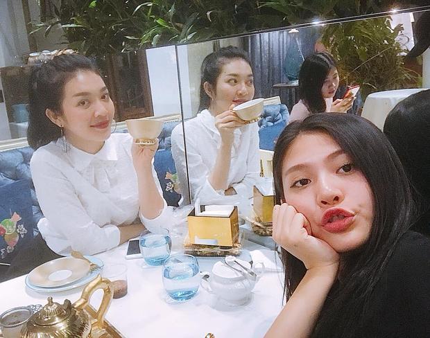 Chúng Huyền Thanh rạng rỡ xuất hiện sau khi bỏ thi Hoa hậu Hoàn vũ Việt Nam