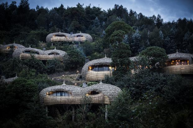Một nhà nghỉ sinh thái mới ở Rwanda có các biệt thự độc đáo được xây dựng trên một ngọn núi lửa bị xói mòn. Ảnh: David Crookes